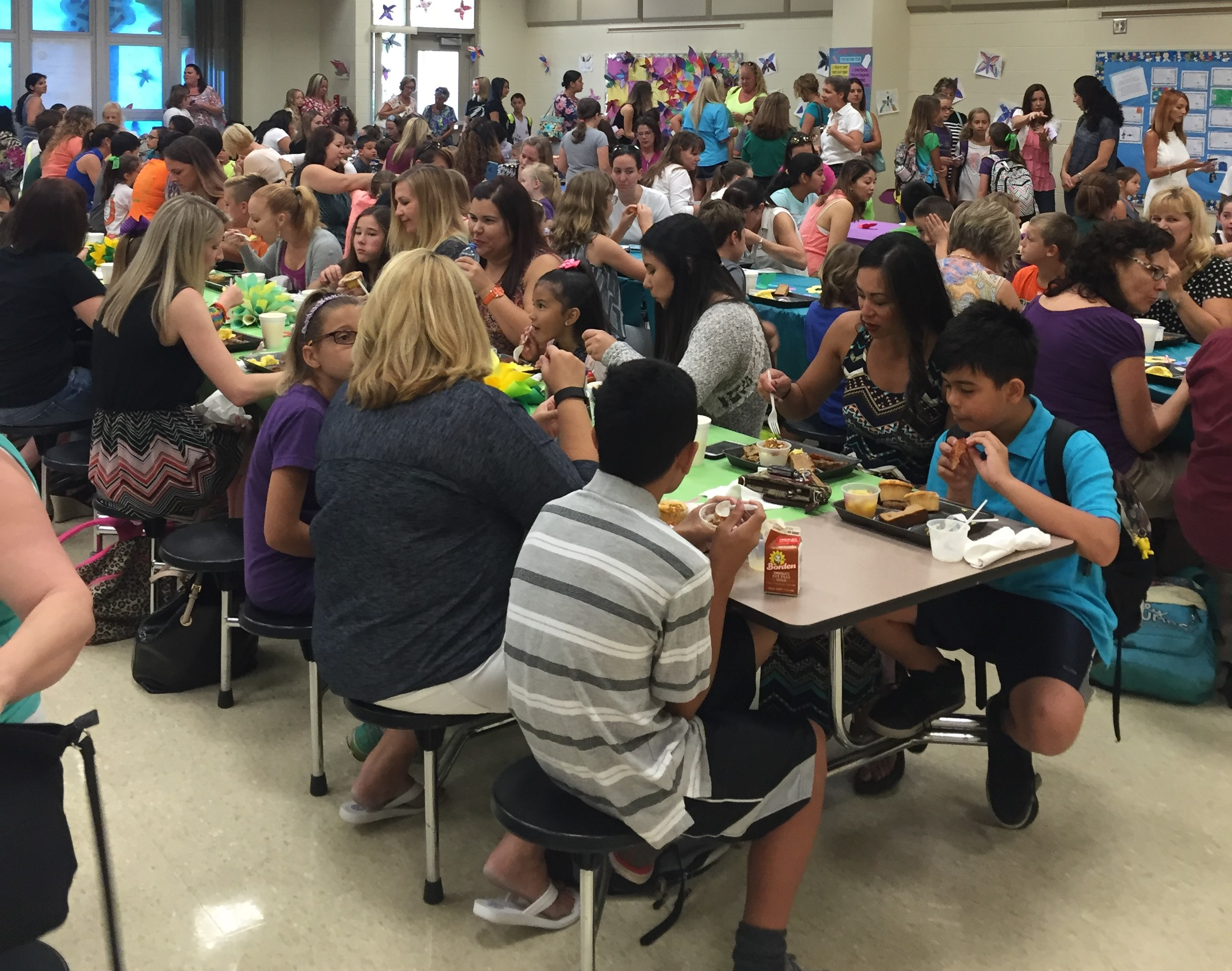 Trinity Elementary – Breakfast with Mom